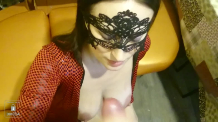 inolaandaxel blow job in a kitchen full ~  InolaAndAxel ~  Amateur ~ Pvc-vinyl, Face Fucking ~  1,1 GB 20.03.2019