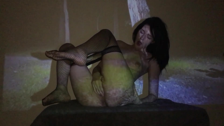 ivyhelix forest cam download ~  ivyhelix ~  Amateur ~ Fishnets, Solo Female ~  707,5 MB 23.03.2019