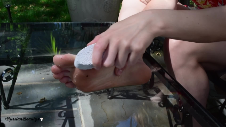 madison marz pampering my tired dirty feet ~  Madison Marz ~  Amateur ~ Foot Fetish, Dirty Feet, Barefoot ~  762,8 MB 23.03.2019