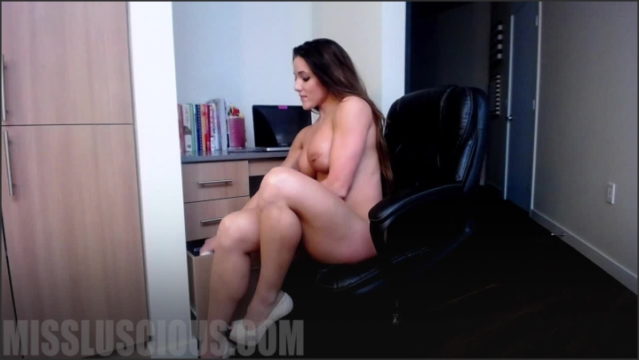 missluscious jerk it for your boss Size    484,7 MB 20.03.2019