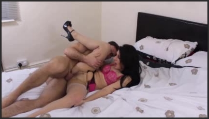 sophie gxxx hard cock stuffing my tight hole ~  sophie gxxx ~  Amateur ~ Size ~  18,6 MB 25.03.2019