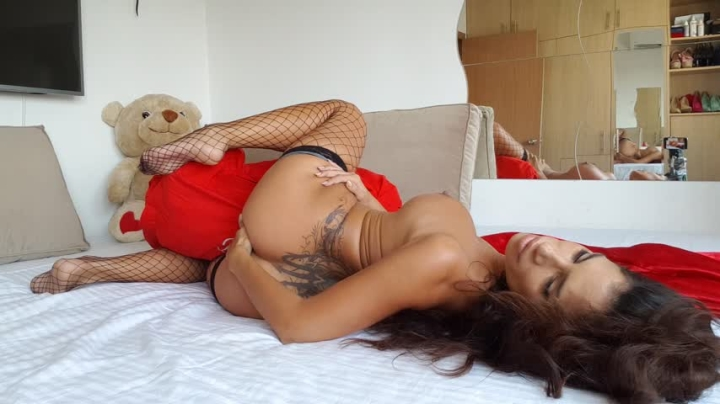 una alexandar humping and fucking with a pillow ~  Una Alexandar ~  Amateur ~ Pillow Humping, Kink, Solo Masturbation ~  510,1 MB 30.03.2019