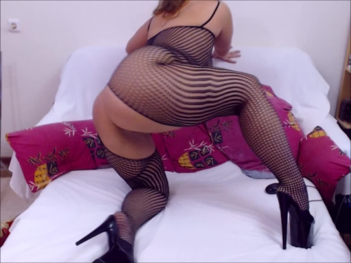 bigbootymilf bodystockings and stripper heels *  BigBootyMILF *  Amateur * Bodystockings, High Heels *  302,2 MB 07.04.2019