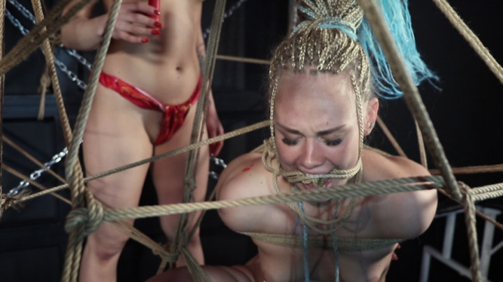 el luno orgasm and wax in spider web *  El Luno *  Amateur * Orgasms, Female Domination, Bondage *  2,6 GB 15.04.2019