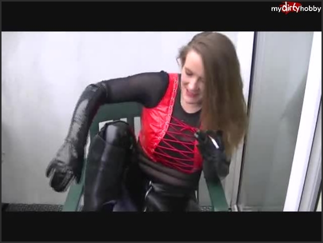 look at me slave and boot splasher now with sara sweet    Sara-Sweet    mydirtyhobby   Sm, Fetish, Mdh    20,1 MB 27.05.2019