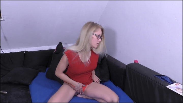 my first time i already dare more with holly sommer *  Holly-Sommer *  mydirtyhobby *  00:03:04 * Mdh, Solo *  38,5 MB 30.06.2019
