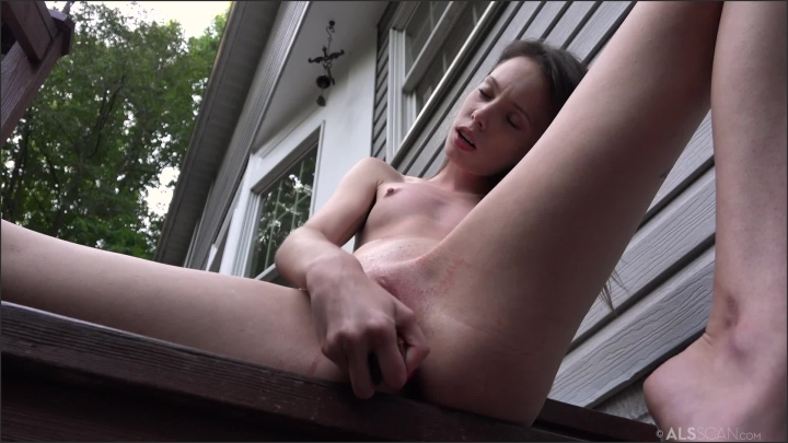 0504-aria haze-being-watched als-1080p *  ALSScan *  SiteRip *  00:15:55 * Size *  1,1 GB 01.08.2019