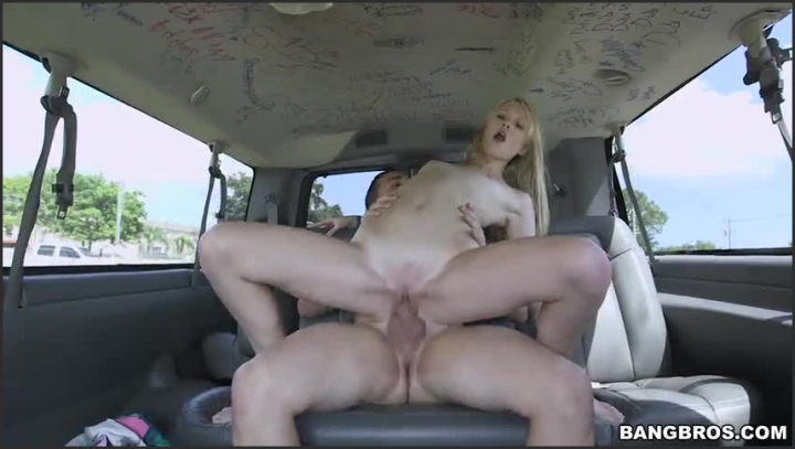 0923-lily rader peter green-tight lil blondie gets wrecked on the bus *  BangBus *  SiteRip *  00:41:39 * Size *  318,7 MB 03.08.2019