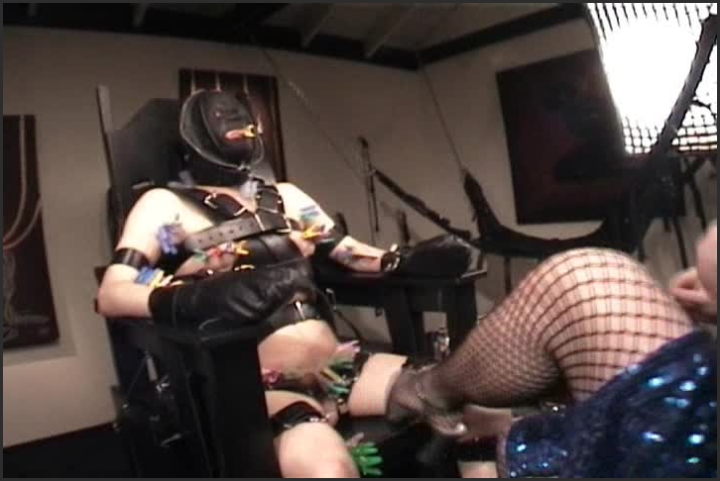 ultimate bondage chair 3 foot tease chastity aliceinbondageland ~  aliceinbondageland ~  2018 ~  00:03:43 ~ Size ~  42,3 MB 01.08.2019