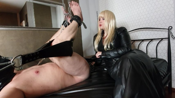 mistress patricia at my mercy pt2 ~  Mistress Patricia ~  Amateur ~  00:08:17 ~ Leather Fetish, Slave Training ~  913,9 MB 12.09.2019