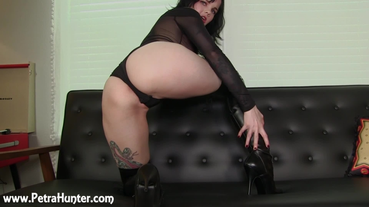 mistresspetrahunter eating cum for mphs thigh high boots ~  MistressPetraHunter ~  Amateur ~  00:12:52 ~ Cei, Boot Fetish ~  240 MB 06.09.2019