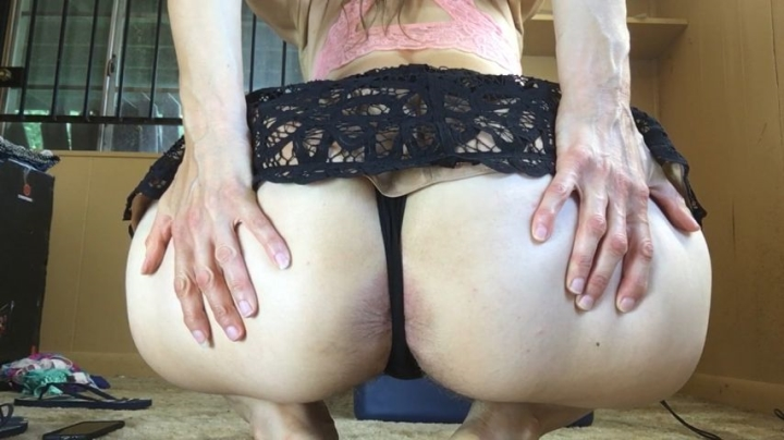 longtoesally 7 23 18 upskirt asshole tease part 4 ~  LongToeSally ~  Amateur ~  00:05:00 ~ Asshole, Ass Spreading, Bbw ~  298,2 MB 01.10.2019