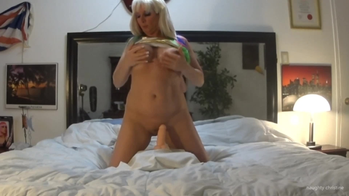 naughty christine 2 big orgasms riding the dong ~  Naughty Christine ~  Amateur ~  00:06:42 ~ Dildo Fucking, Solo Female ~  368,7 MB 18.10.2019