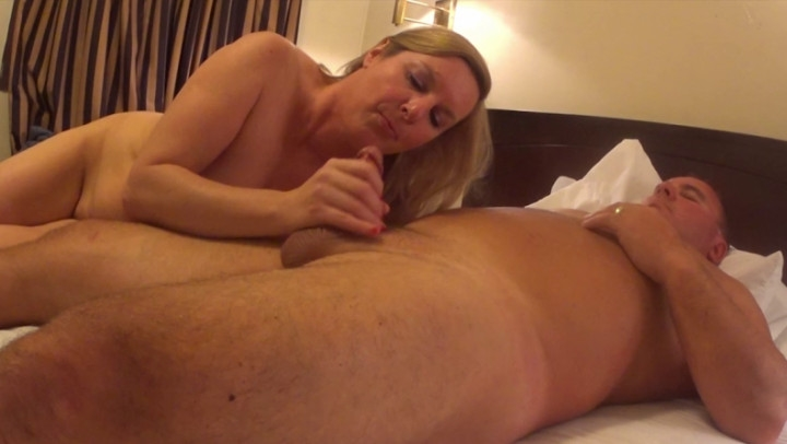 naughty christine afternoon bull in a sleazy motel ~  Naughty Christine ~  Amateur ~  00:37:30 ~ Cumshots, Fucking ~  1,3 GB 18.10.2019