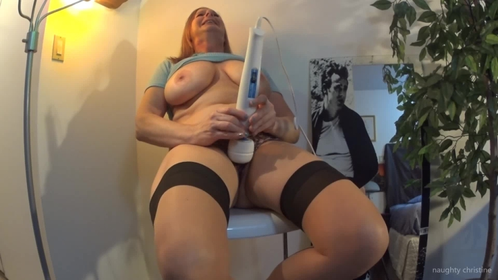 naughty christine big cum with hitachi magic wand ~  Naughty Christine ~  Amateur ~  00:03:53 ~ Tit Play, Stocking, Big Tits ~  153,6 MB 18.10.2019