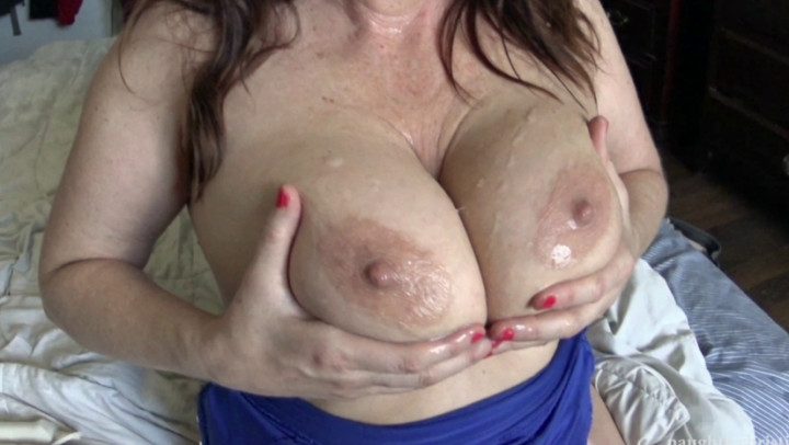 naughty christine big tits and nipples hosed down ~  Naughty Christine ~  Amateur ~  00:04:16 ~ Nipple Play, Cumshots ~  464,7 MB 18.10.2019