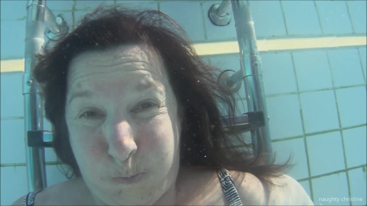 naughty christine breath holding under water ~  Naughty Christine ~  Amateur ~  00:07:00 ~ Bikini, Breath Play, Underwater Fetish ~  494 MB 18.10.2019