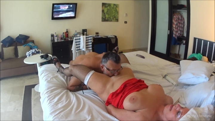 naughty christine clit suck to screaming orgasm ~  Naughty Christine ~  Amateur ~  00:05:57 ~ Fishnets, Orgasms, Milf ~  110,2 MB 18.10.2019