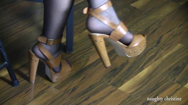 naughty christine high heel dangling ~  Naughty Christine ~  Amateur ~  00:10:55 ~ Big Tits, Orgasms, High Heels ~  1,3 GB 18.10.2019