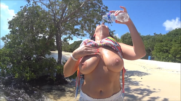 naughty christine nipple play on the beach ~  Naughty Christine ~  Amateur ~  00:03:52 ~ Titty Squeezing, Big Boobs, Nipple Play ~  374,6 MB 18.10.2019