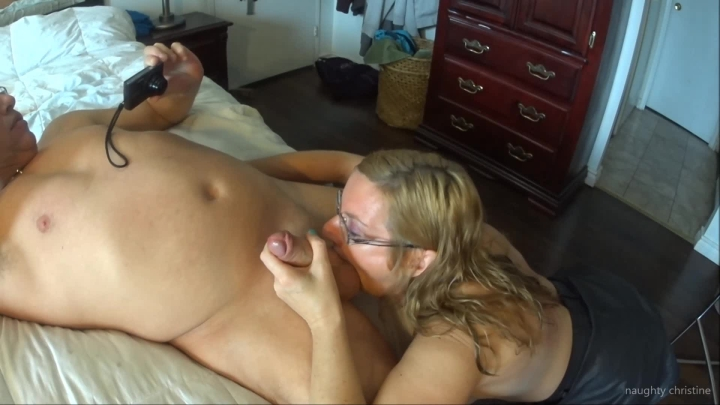 naughty christine spiting cumcleaning it off the floor ~  Naughty Christine ~  Amateur ~  00:06:39 ~ Cum In Mouth, Blowjob, Cum Play ~  378,7 MB 18.10.2019