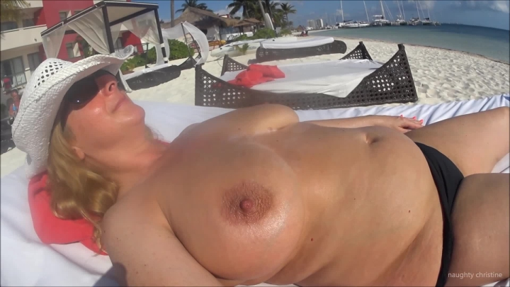 naughty christine topless sunbathing in the caribbean ~  Naughty Christine ~  Amateur ~  00:04:50 ~ Lotion/oil Fetish, Public Nudity ~  403,1 MB 18.10.2019