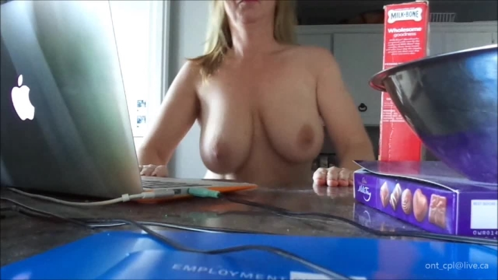 naughty christine watch me dance and watch my boobs bounce ~  Naughty Christine ~  Amateur ~  00:04:53 ~ Booty Shaking, Big Tits ~  163 MB 18.10.2019
