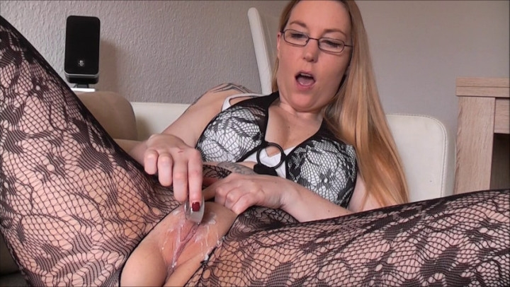 sallysecret waxed and pumped pussy *  SallySecret *  Amateur *  00:03:22 * Close-ups, Big Pussies, Pussy/ Asshole Waxing *  52,4 MB 07.10.2019