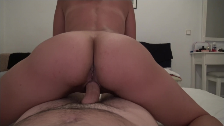 hot college girl continues to ride after getting a pussy creampie ~  Sweet Bunny ~  ~  00:05:30 ~ Babe, Hot Teen ~  110,4 MB 25.11.2019