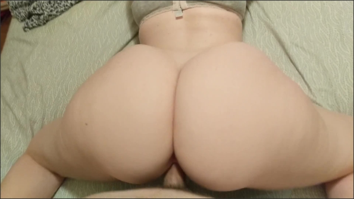 Big Booty Pawg Riding Dick