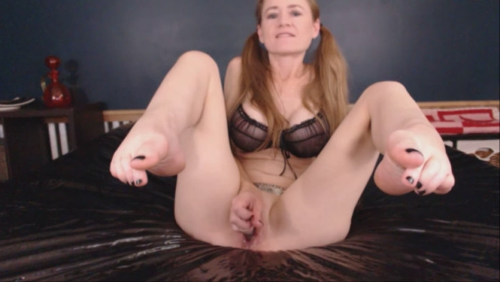 julie snow ponytails pussy play and dirty talk ~  Julie Snow ~  ManyVids ~  00:07:36 ~ Long Hair, Butt Plug ~  776,7 MB 15.12.2019