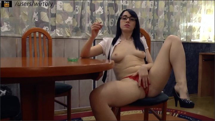 Wirtoly wirtoly smoking ~  Wirtoly ~  ~  00:05:09 ~ Teasing, Natural Tits, Sexy Legs ~  108,7 MB 05.12.2019