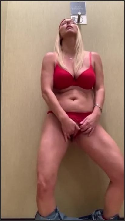 brickbabe department store fitting room fingering *  Brickbabe *  *  00:06:09 * Public, Shaved Pussy, Fitting Room *  40,7 MB 19.02.2020