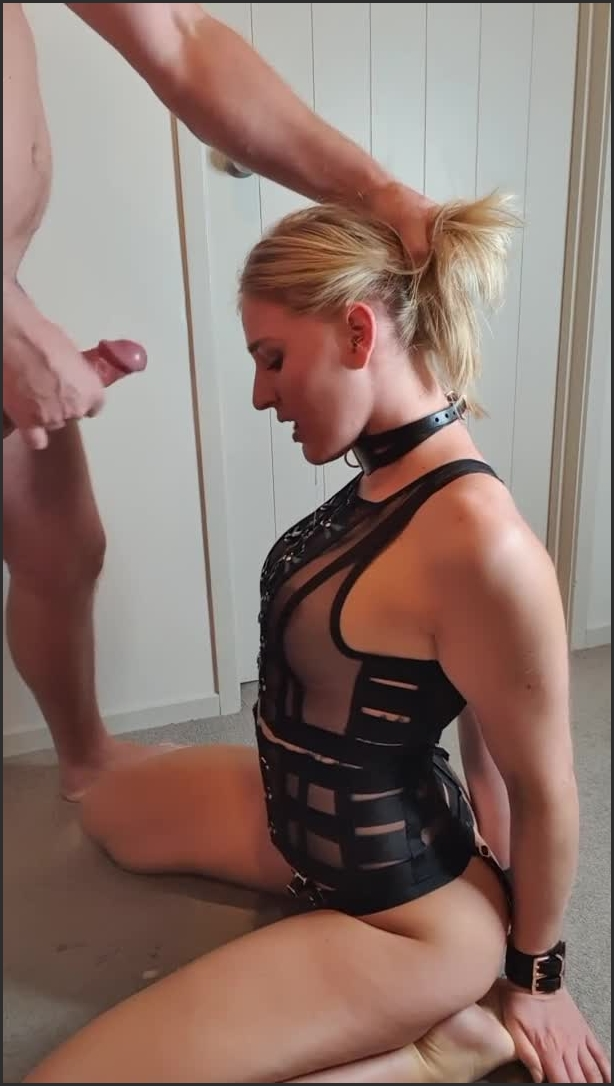 cuffed and collared slut gets messy face fuck |  Kate Pie |  |  00:06:32 | Small Tits, Messy Blowjob, Amateur |  64,3 MB 24.02.2020