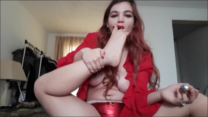 xo bunny merry xmas ginger redhead licking feet and sucking on toes and feet massage *  XO Bunny *  *  00:06:16 * Cam Girl, Feet Play, Soles *  87,9 MB 15.02.2020